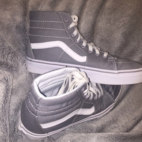 Vans Shoes - Always make an offer I am willing to negotiate b78a00ed9